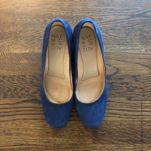 Naturalized Whitney Pump, navy, size 6.5 EUC